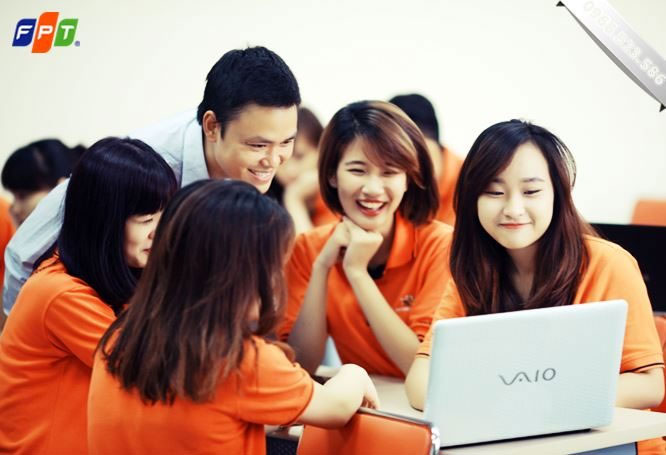 uu-dai-voi-goi-cuoc-fpt-gia-re-cho-sinh-vien-da-nang-lapinternet247.com-2